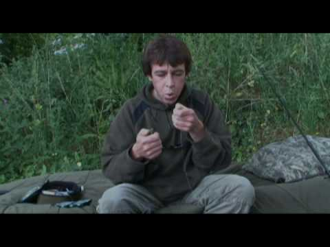 Terry Hearn ties a Chod Rig - Part 2