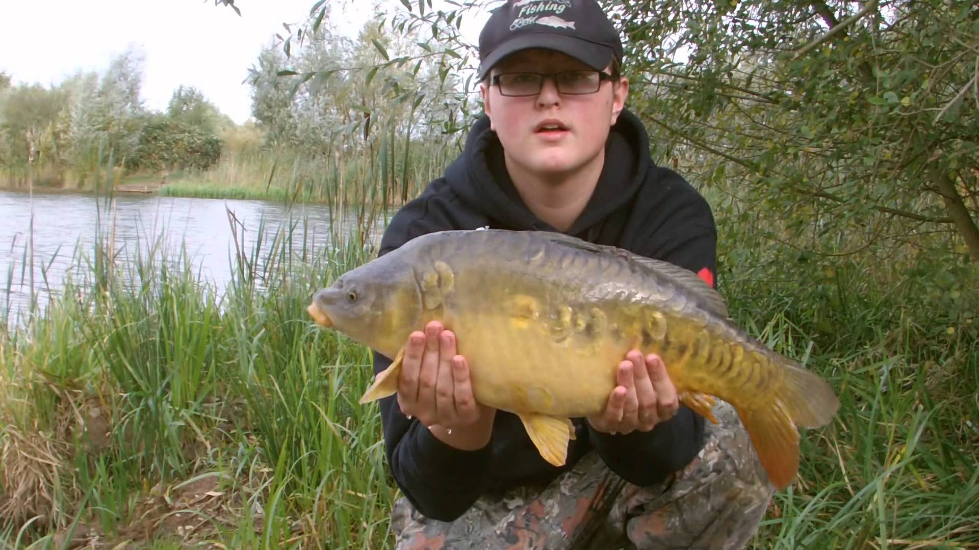 Carp Fishing - Episode 8 Using Bloodworm Boilies and Pellets